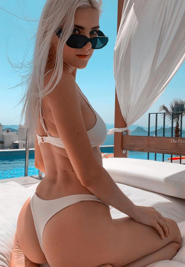 bikinievagwhite